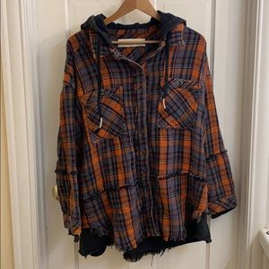 Super cute and cozy distressed flannel hoodie. M